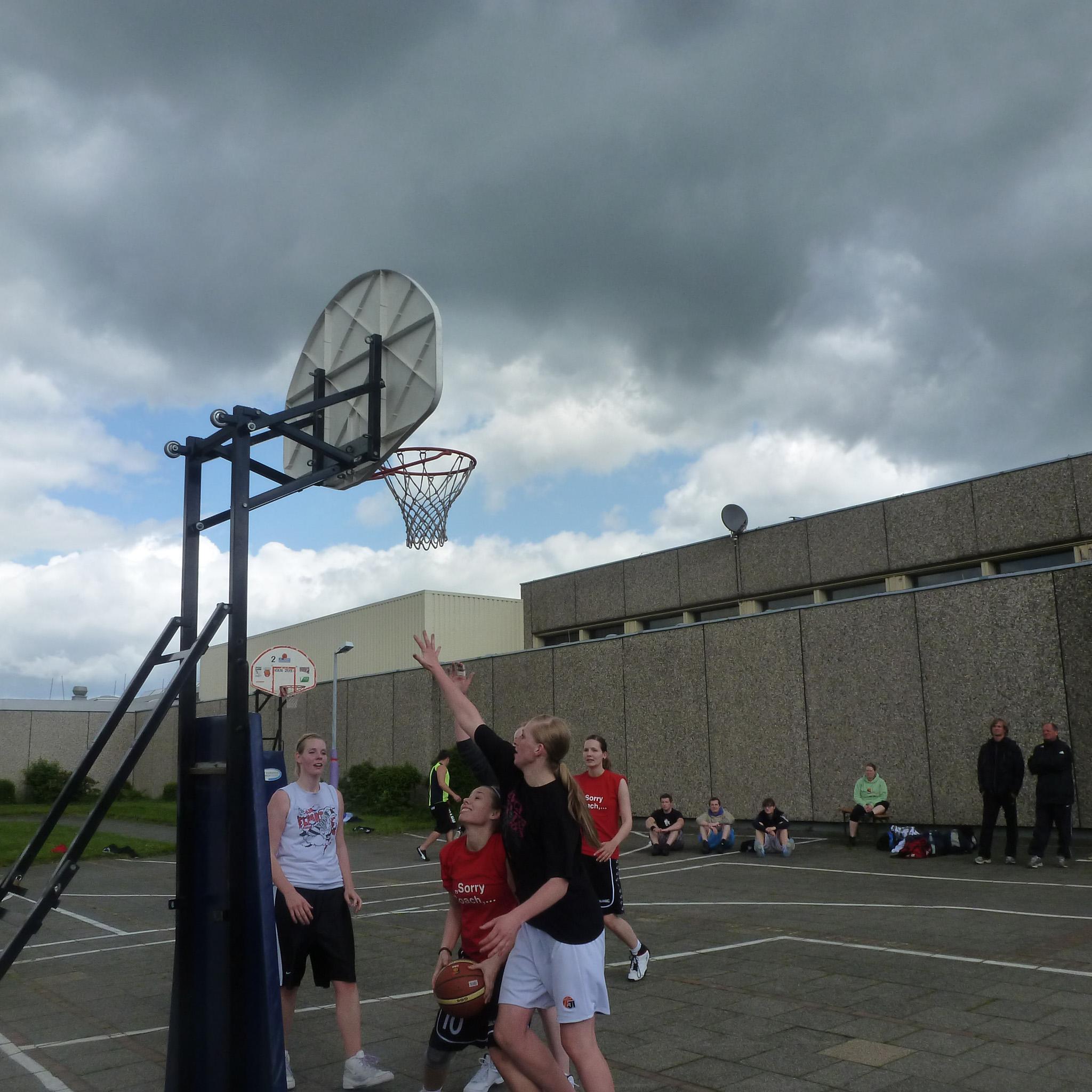 Basketball im Knast - Mehr als nur ein Spiel - Maerkzettel